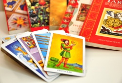 Top 2 Simple Tarot Spreads For Beginners