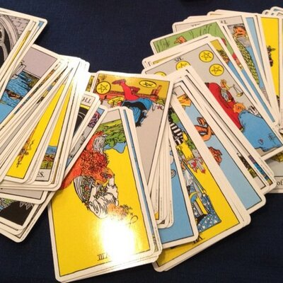 How To Do A 3 Card Tarot Reading?