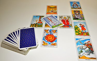 interpreting tarot spreads