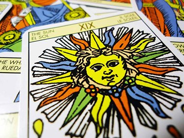 know your future with tarot cards