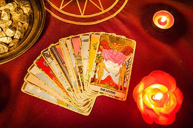 love predictions with tarot cards